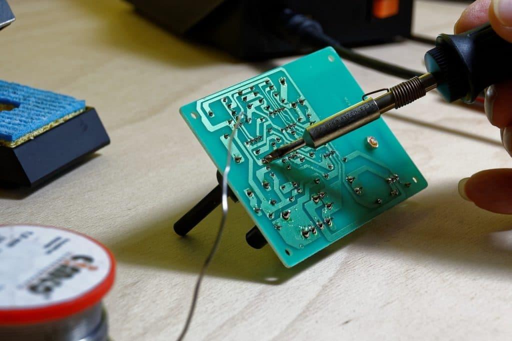 الهندسة الكهربائية