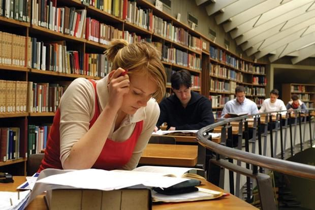لماذا السنة الأولى في الجامعة مهمة حقاً: نصائح لطلاب المرحلة الاولى